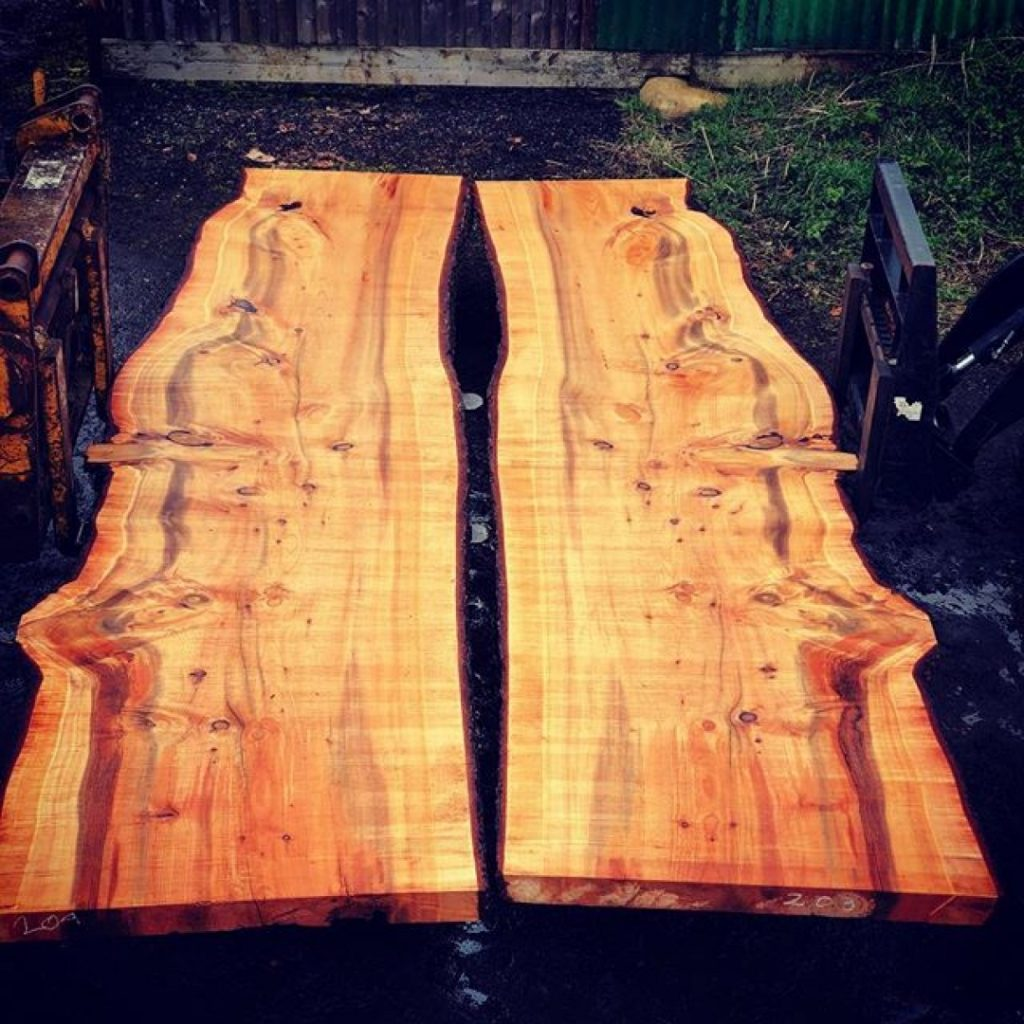 Super slabs I recon these should be book matched, saved in Thame. All cut on the original Alaskanmill made by @granberginternational #alaskanmill #sawmillbusiness #boardroom #conferencetable