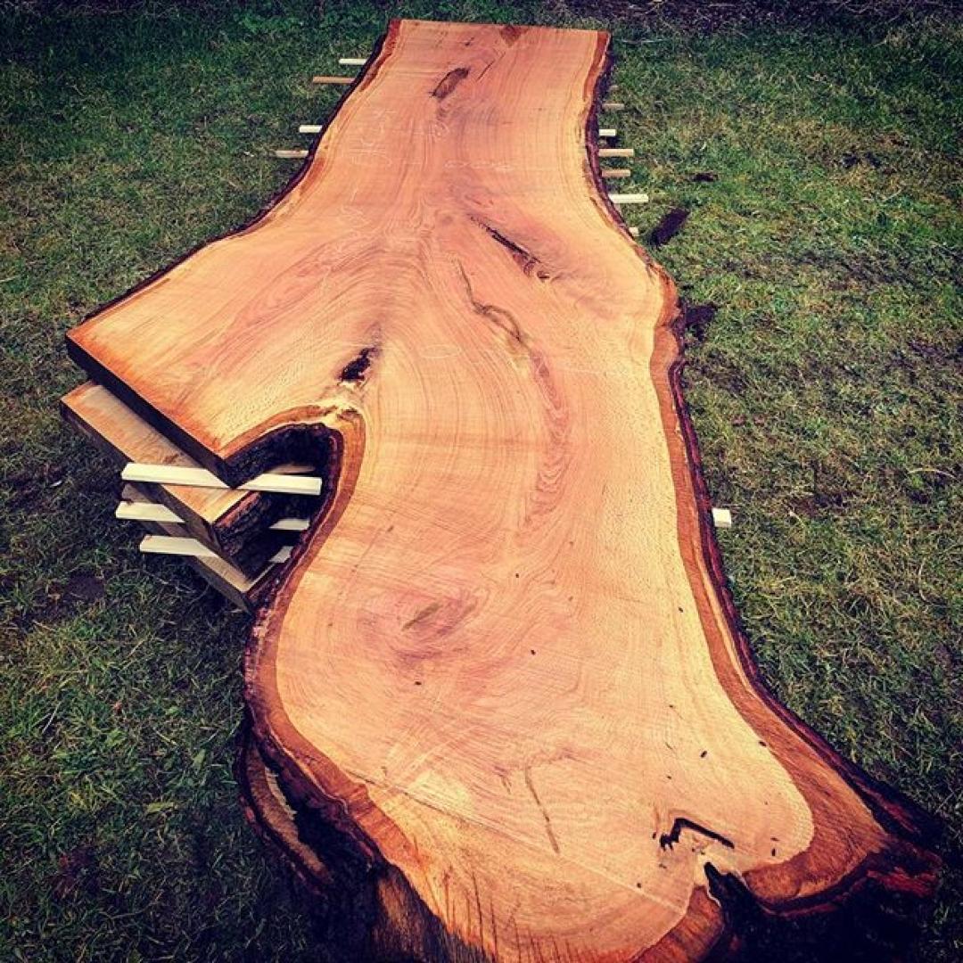 A stack of Super English oak crotches. #alaskanmill #diyhomedecor #interiordesign #moderndesign @granberginternational @sawmillbusiness